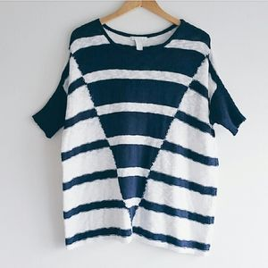 Design History  Blue/White Pullover Sweater L